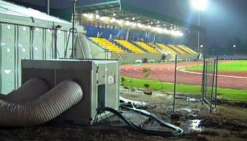 Stavba sportoviště pro Hry Britského společenství v Dillí