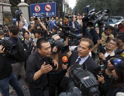 Čínské úřady brání novinářům v přístupu k domu Lioua Siaa-poa