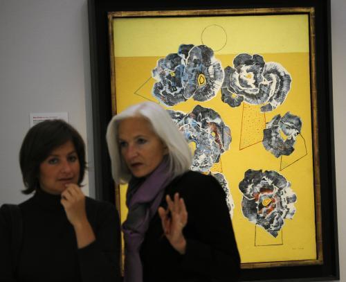 Max Ernst / Květy na žlutém pozadí