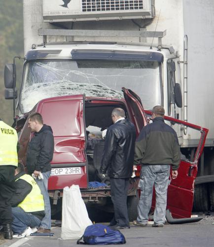 Střet dodávky s kamionem