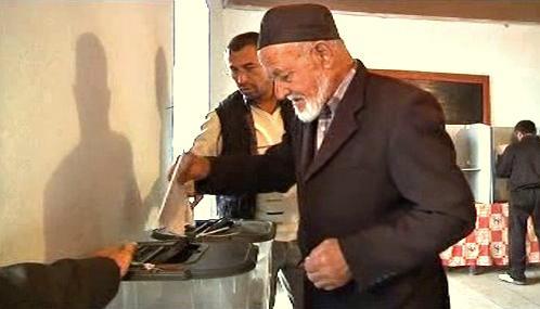 Volební místnost v Kyrgyzstánu
