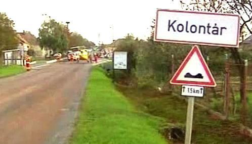 Kal z nádrže zaplavil maďarské obce Kolontár a Devecser