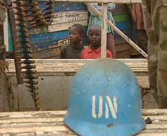Helma pracovníka OSN