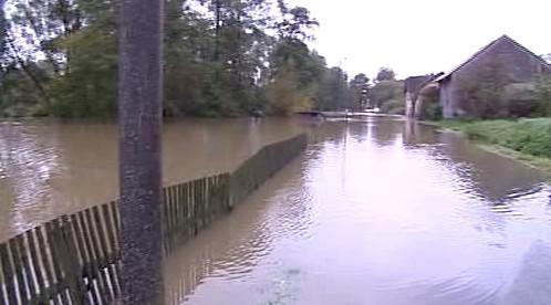Panenský potok zaplavil Pertoltice