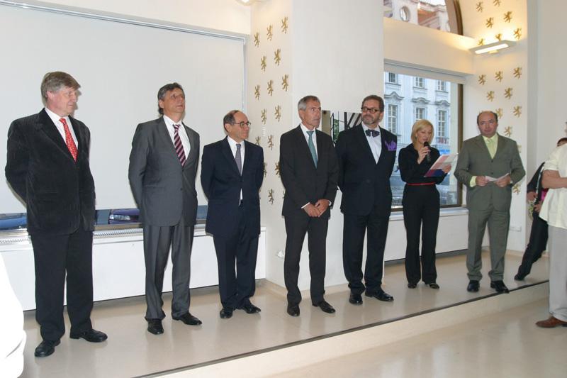Otevření výstavy Tel Aviv slaví 100! v ČC za přítomnosti premiéra J. Fischera a ministra kulturury V. Riedlbaucha
