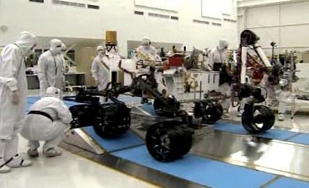 Práce na vozidle Curiosity