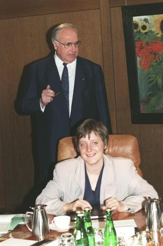Helmut Kohl a Angela Merkelová v dubnu 1991
