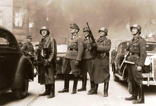 Vojáci SS v průběhu povstání