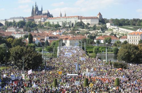 Demonstranti zaplavili pražské ulice