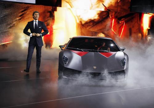 Lamborghini na pařížském autosalonu