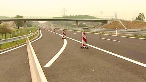 Rozestavěný úsek silnice R4