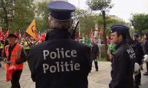 Demonstrace proti úsporám