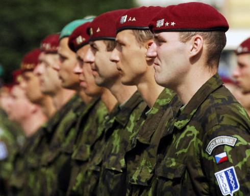 Vojáci KFOR