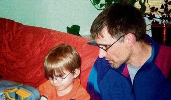 Wolfgang R. se svým synem Romanem