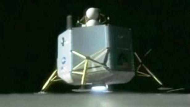 Přistání modulu na měsíci