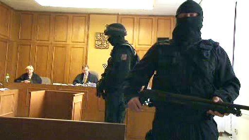 Jednání soudu provázela přísná bezpečnostní opatření