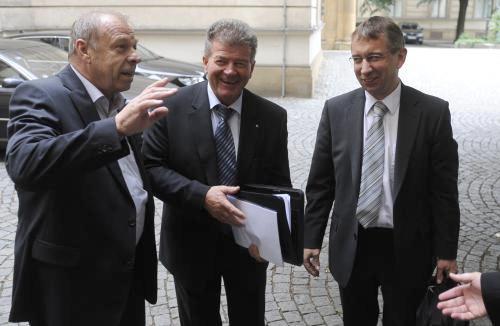 Zavadil diskutuje s Drábkem
