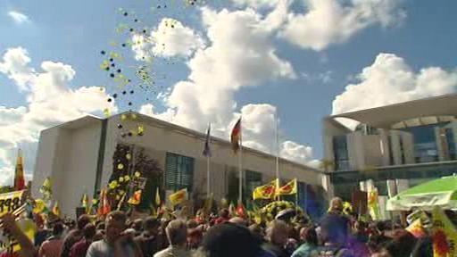 Demonstrace před německým kancléřstvím