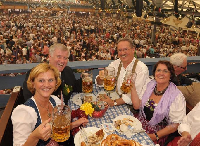 Oktoberfest v plném proudu
