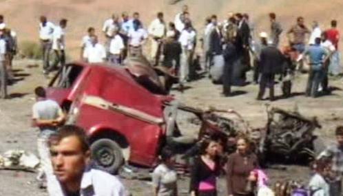 Při explozi minibusu zemřelo v Turecku 10 lidí