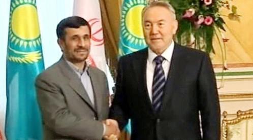 Mahmúd Ahmadínežád a Nursultan Nazarbajev