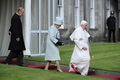 Papež po setkání s britskou královnou Alžbětou II.