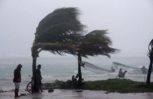 Tropická bouře Karl dorazila do Mexika