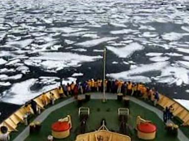 Loď na severním pólu