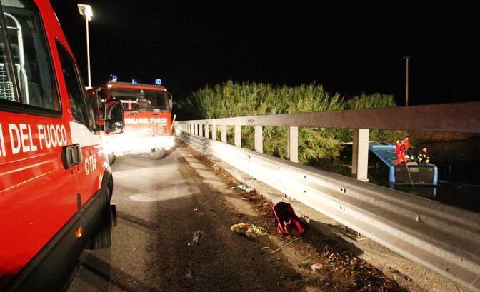 Po srážce autobusu s koněm zahynulo v Itálii pět lidí
