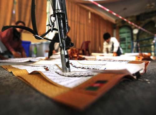 Na volby v Afghánistánu dohlížela armáda