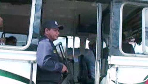 Salvadorské autobusy hlídá armáda a policie