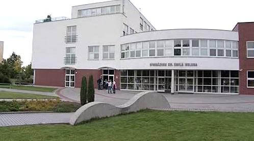 Gymnázium v Holicích