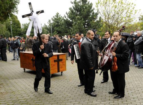 Pohřeb obětí bratislavského masakru