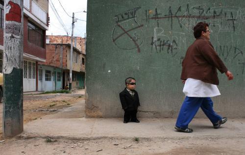Edward Nino Hernández je nejmenším mužem světa