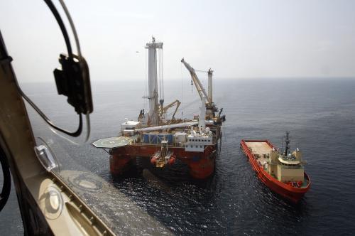 Vytahování vadného ventilu z Mexického zálivu