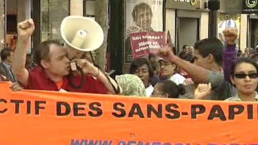 Protesty proti Sarkozyho politice
