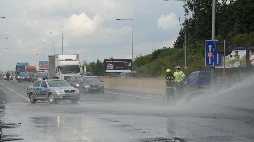 Policisté zastavili dopravu