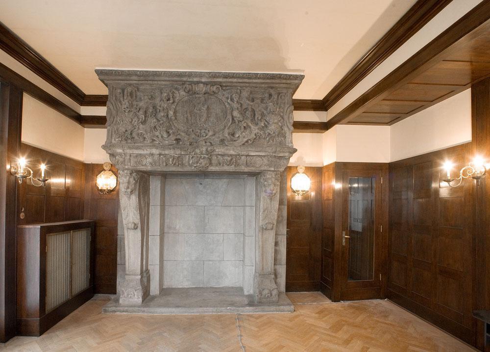 Interiér podle návrhu A. Loose (Plzeň)