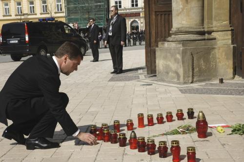 Dmitrij Medvěděv na pohřbu Lecha Kaczyńského