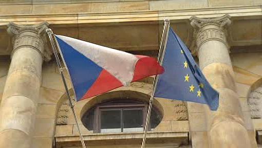 Vlajka ČR a vlajka EU