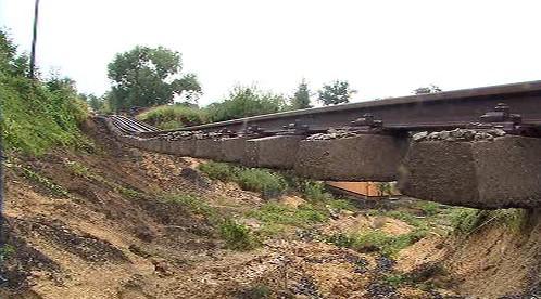 Povodeň zničila v Chrastavě železniční trať