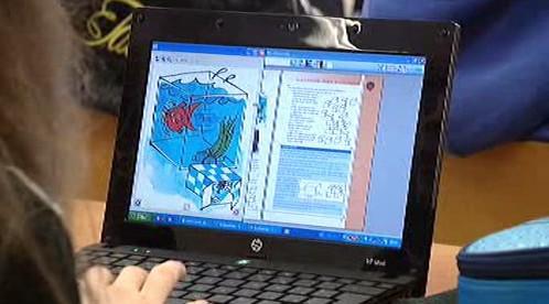 Školní vyučování s pomocí notebooku