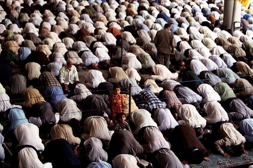 Modlící se v Íránu
