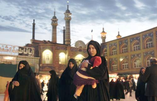 Íránka s dítětem