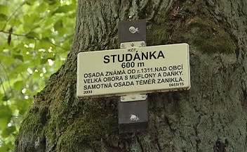 Značka KČT v bývalé osadě Studánka