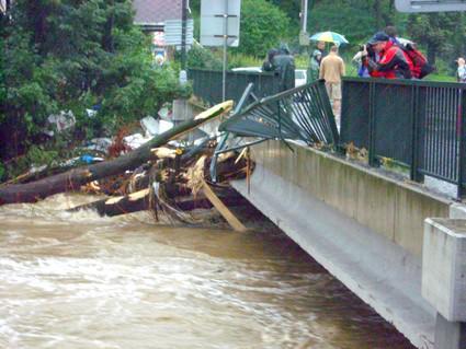 Poničený most ve Frýdlantu