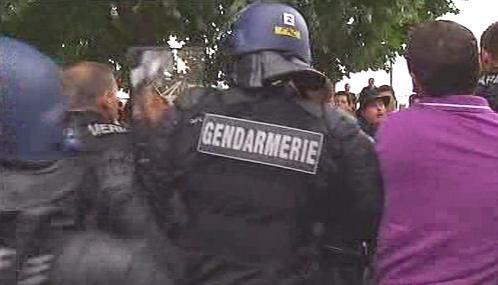 Francouzská policie rozhání romský protest