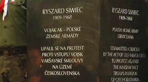 Pomník věnovaný Ryszardu Siwiecovi