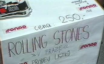Prodej lístků na koncert Rolling Stones v Praze roku 1990