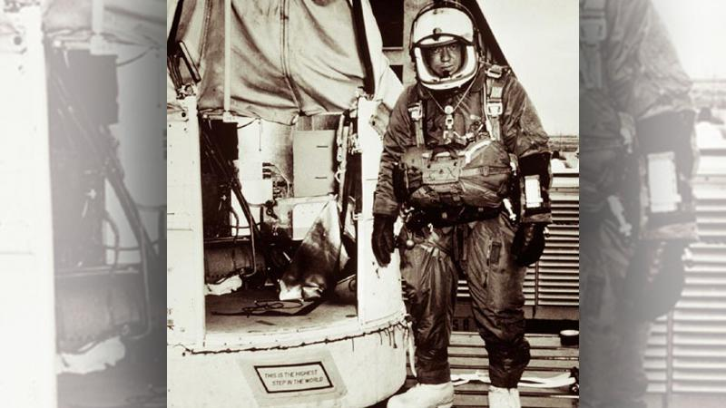 Joe Kittinger vedle modulu Excelsior